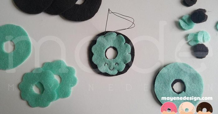 mintchocolatedonutbrooches-wip3