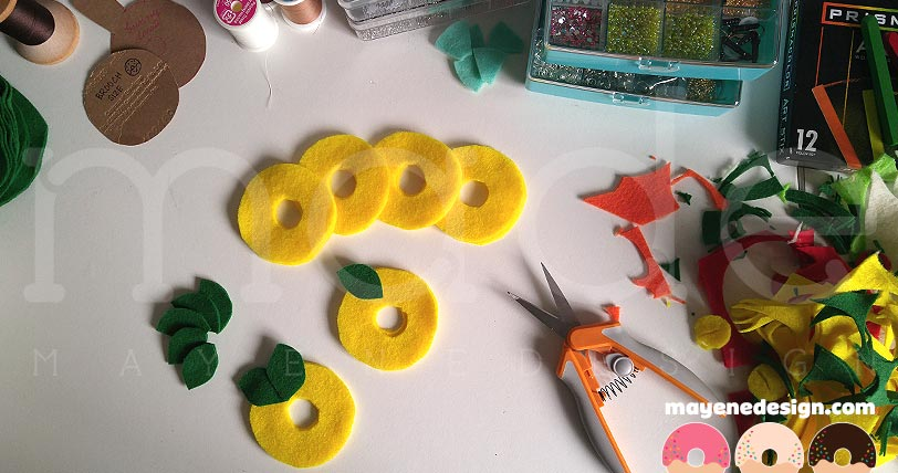pineapplelemondonutbrooch-wip1