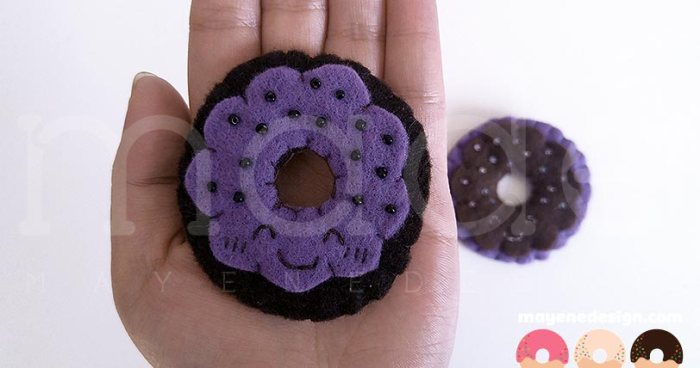 DonutBrooch_UbeChocolate3.jpg